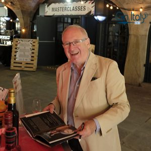 Desmond Payne Lo Spirito del Gin - Storia, aneddoti, trend e cocktails Londra Gin Italy Vittorio D'Alberto